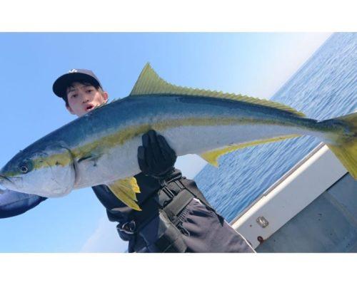 キャスティングで釣れたメーターオーバーのヒラマサ